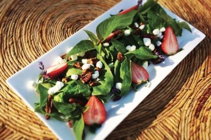 jambo grill strawberry fields salad