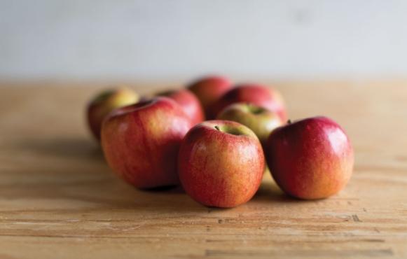farmers market apples